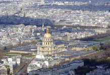 Jalan-jalan ke makam napoleon bonaparte di Invalides Paris