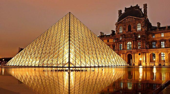 Jalan-jalan ke Museum Louvre di Paris