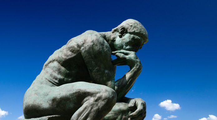 Panduan Museum di Paris melihat patung the Thinker di Rodin Museum
