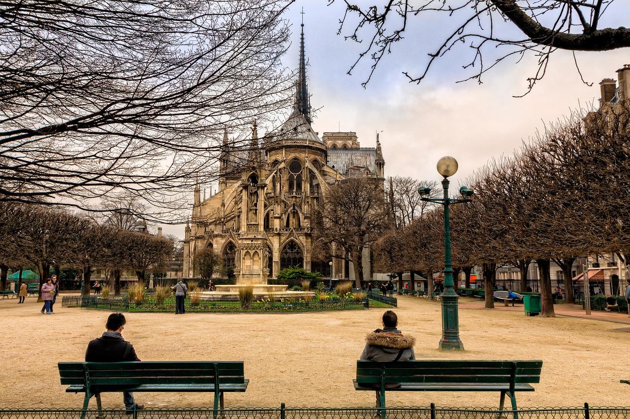 Notre Dame De Paris Garden View
