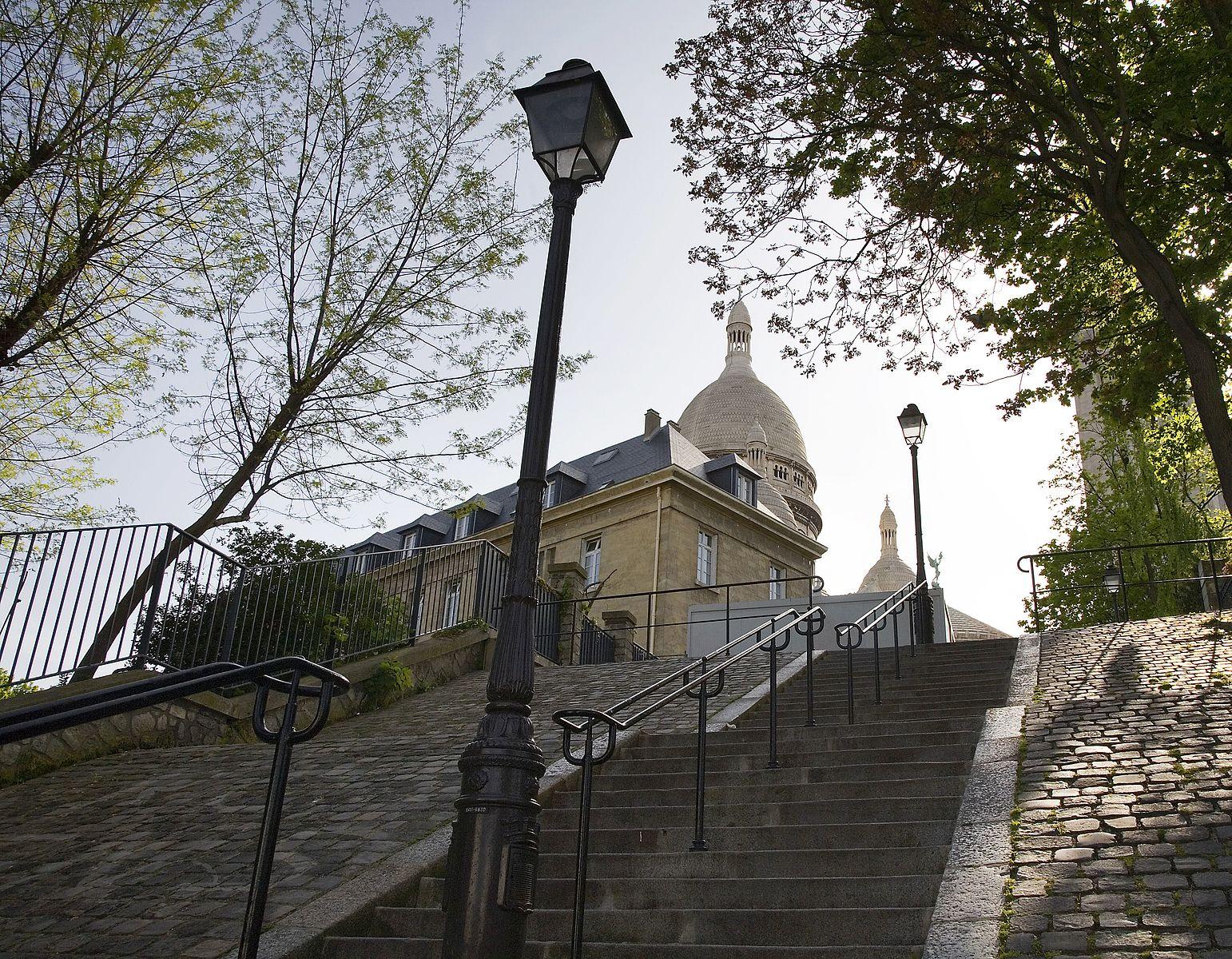 Stairs climbing Mntmartre Paris