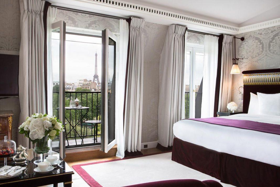Menginap di hotel luxury di Paris