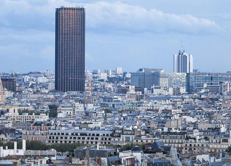 Montparnasse Tower: perfect spot to see Paris and Eiffel Tower