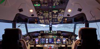 Mencoba pengalaman menyetir pesawat boeing di Paris