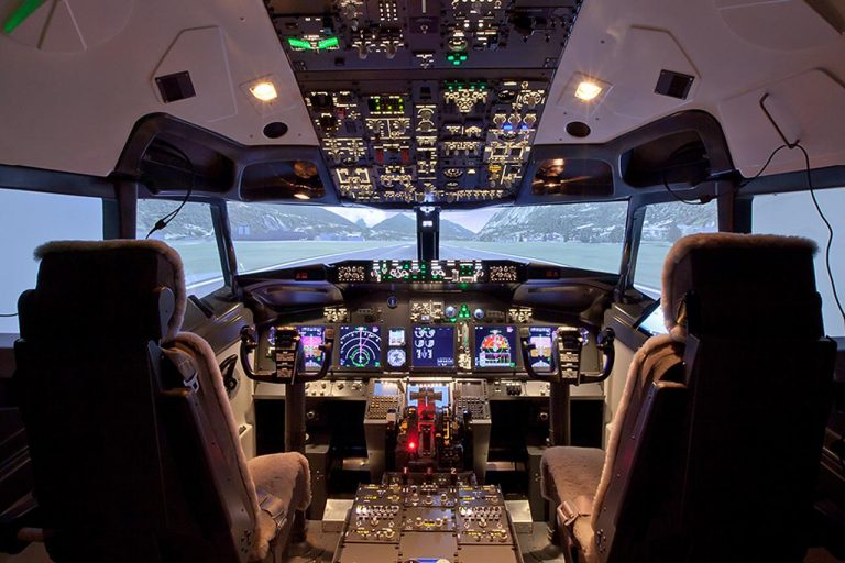 Things to do in Paris : Piloting an aircraft at Flight Experience