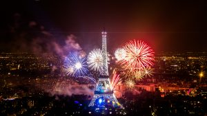 Kembang api menara Eiffel